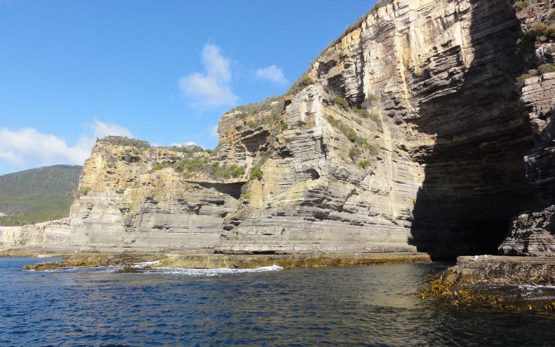 Met een speedboot langs de Tasmaanse kust